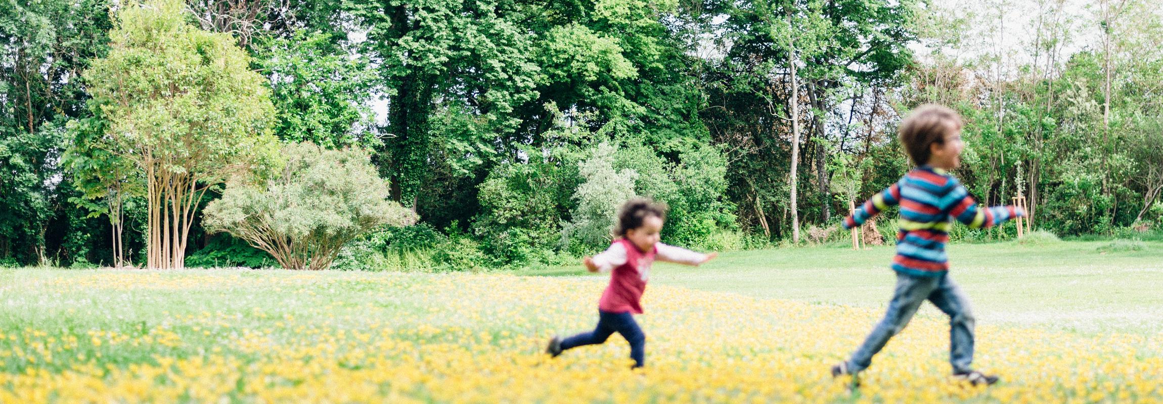 Cinq hectares d'aire de jeux - bien sûr, les enfants sont également les bienvenus à l'Hôtel Château de Montcaud en Provence, dans le sud de la France.